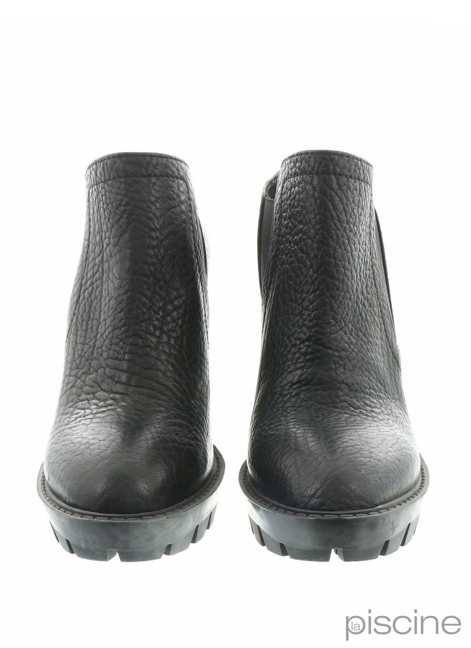 0972e211167cdf Boots à talons noir Pinko pas cher - Outlet La Piscine Paris