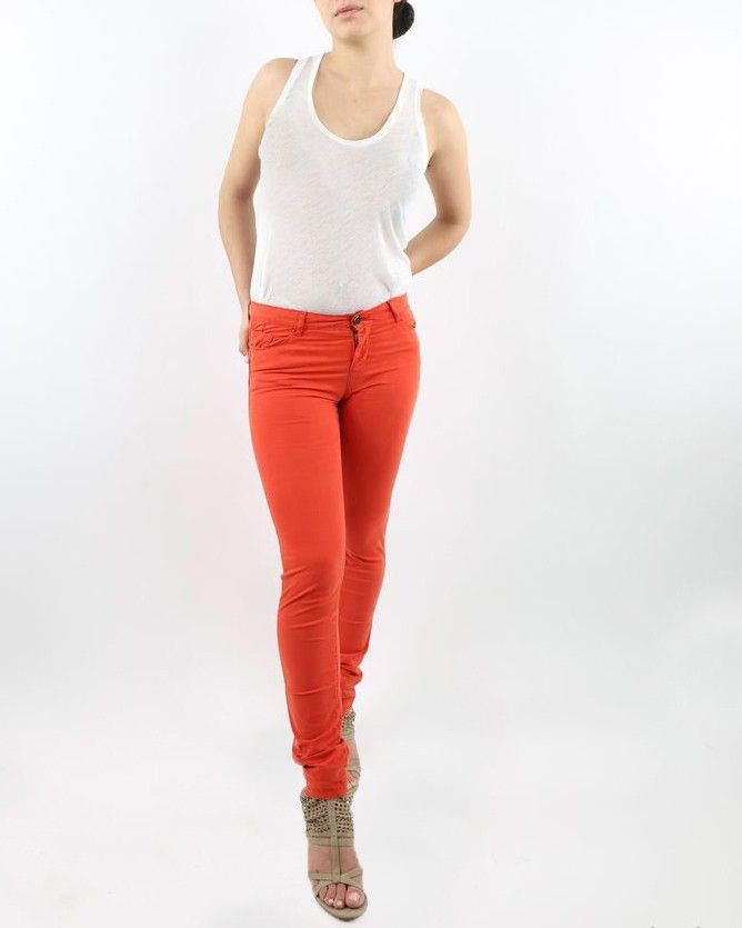 Pantalon rouge May June