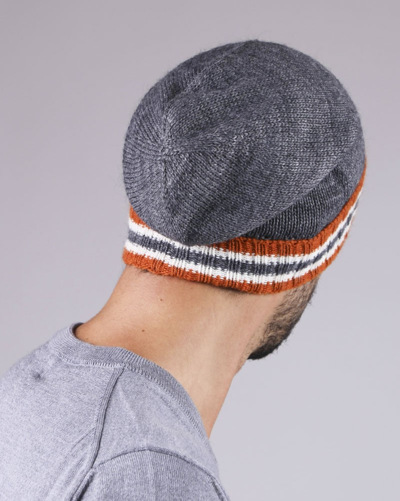 Bonnet gris avec bandes orange Low Brand