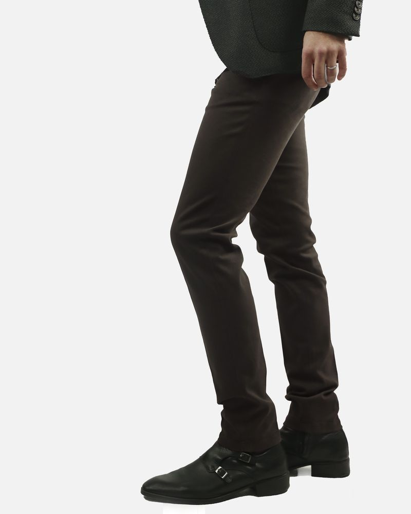 Pantalon marron foncé Roda