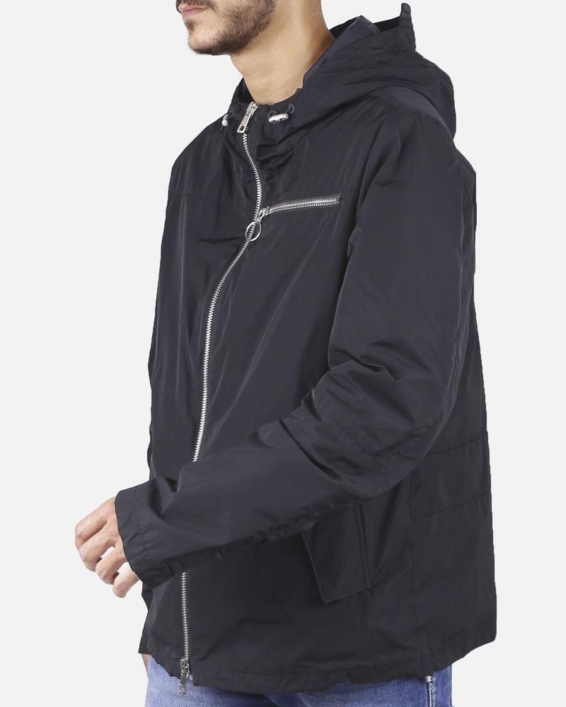 Veste imperméable à capuche noire