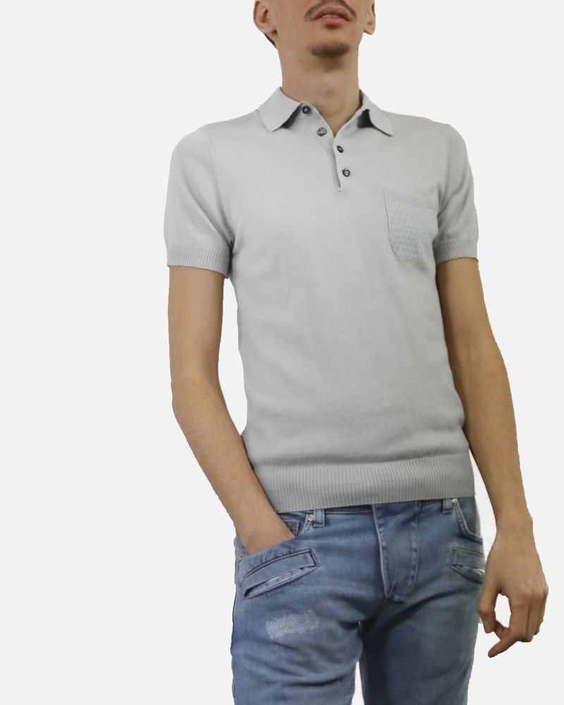 Polo gris en coton gris facon maille poche fantaisie tricoté Vneck