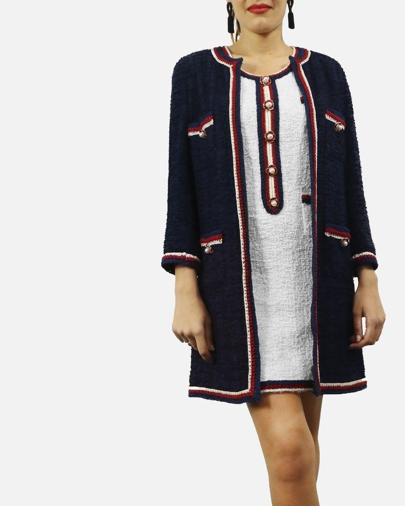 Robe en tweed blanche sans manches à galon tricolores Edward Achour