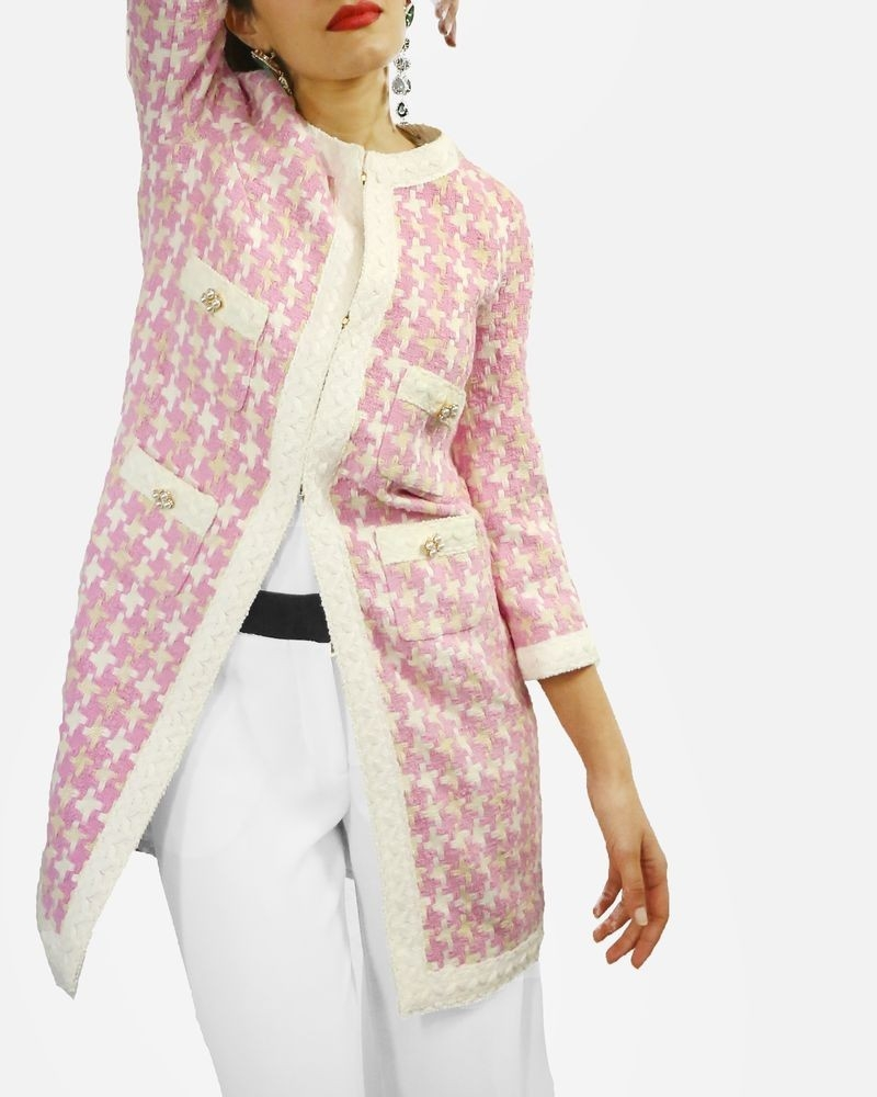 Manteau en tweed rose à motif géometrique blanc Edward Achour