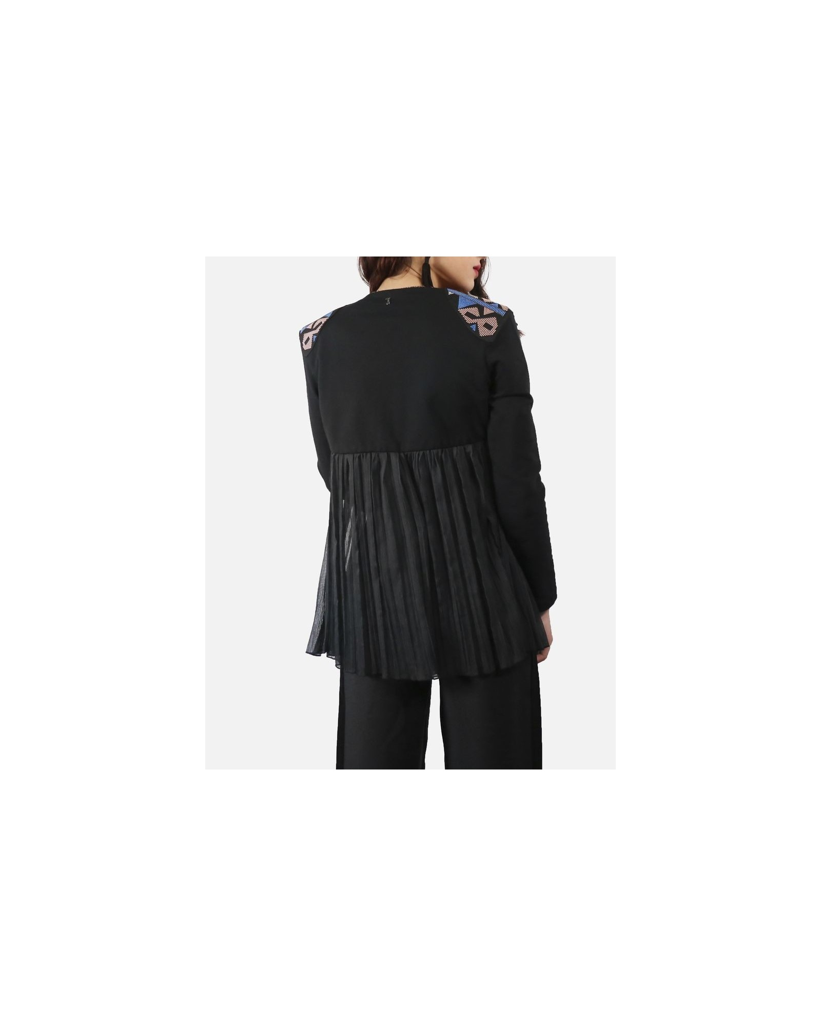 Gilet noir à empiècement mousseline drapé & broderies ethniques Jijil