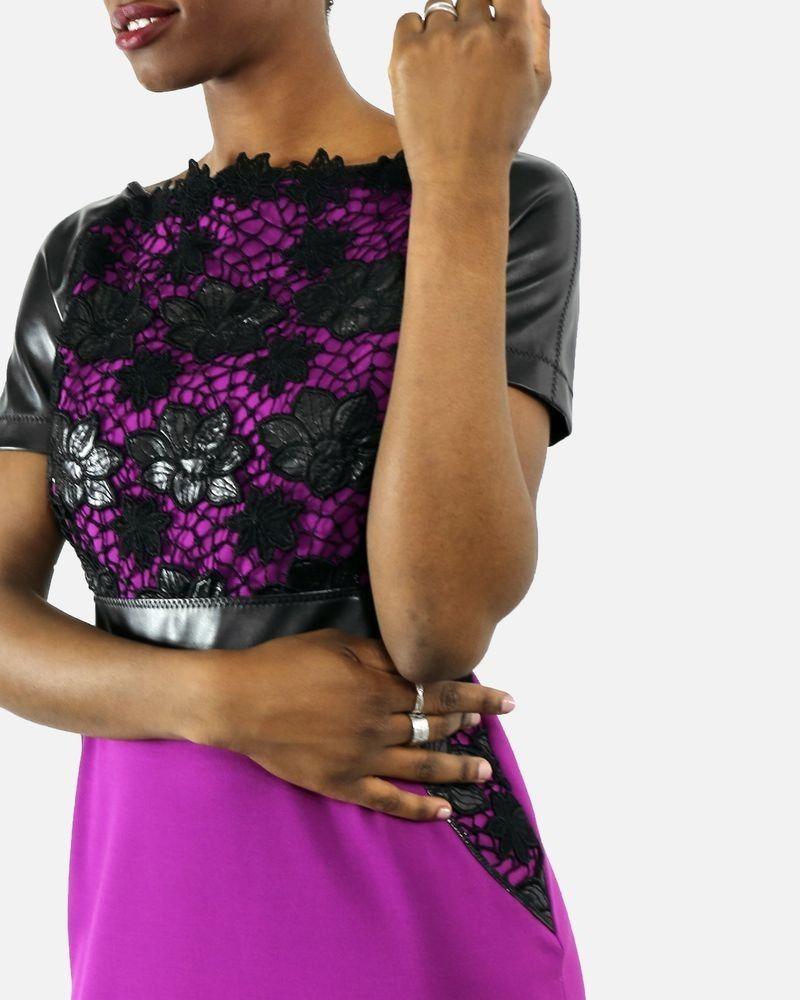 Robe tailleur violet à dentelle de simili cuir Maria Grazia Severi