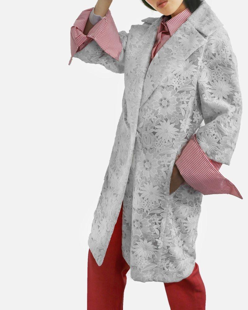 Manteau en guipure blanche Space Style Concept