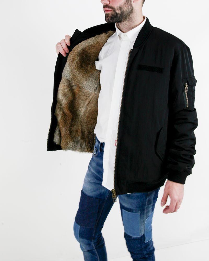 Blouson noir intérieur en peau de loup synthétique amovible Alessandra Chamonix