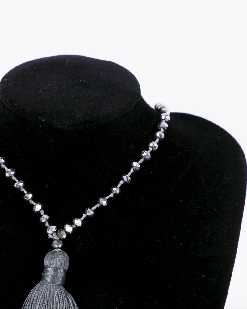 Sautoir à perles argent et pompon gris La Piscine