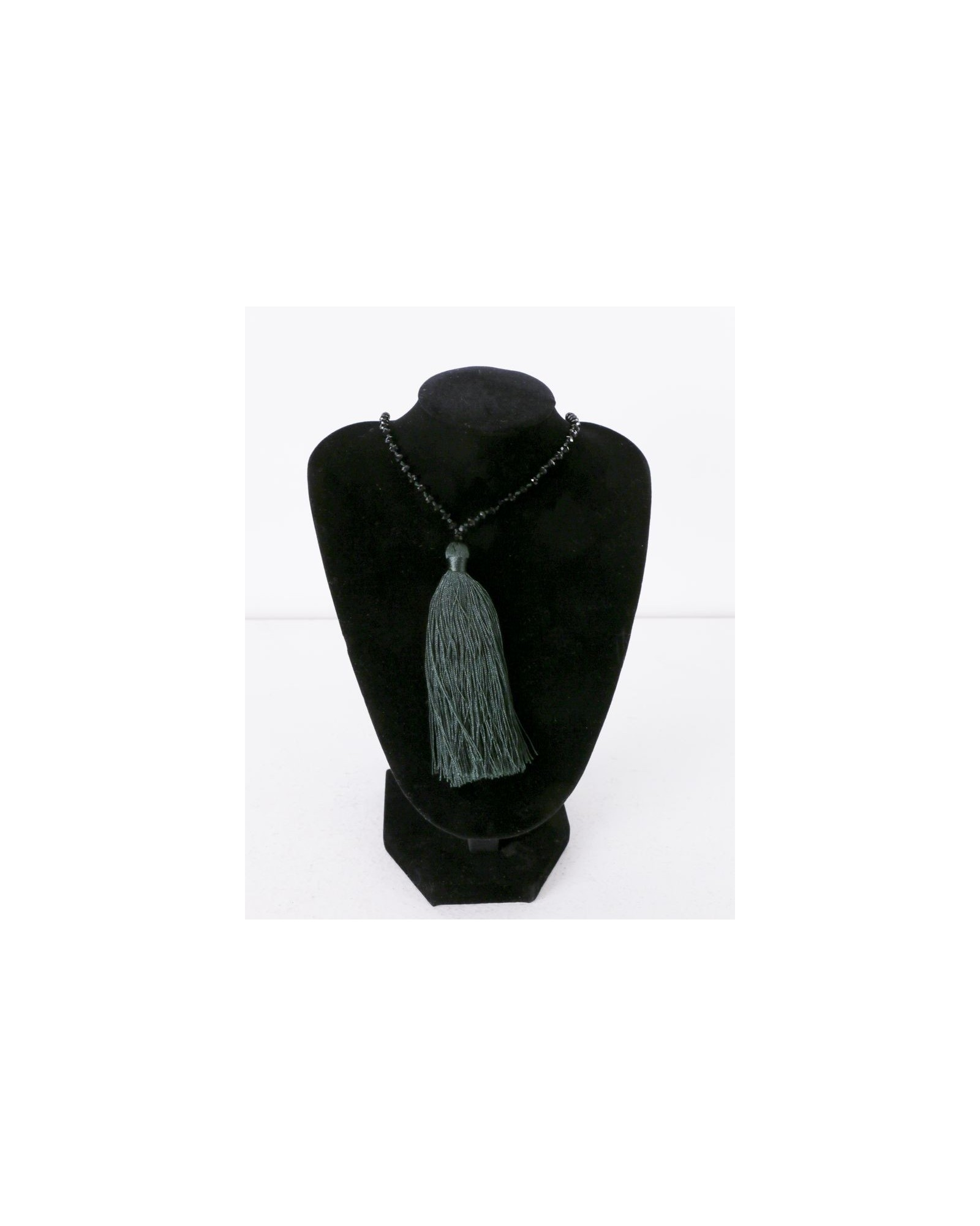 Collier vert à perles noires La Piscine