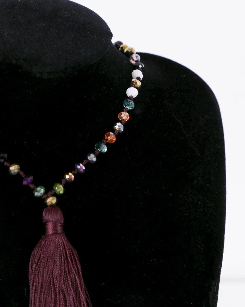 Sautoir à perles multicolores et pompon bordeaux La Piscine