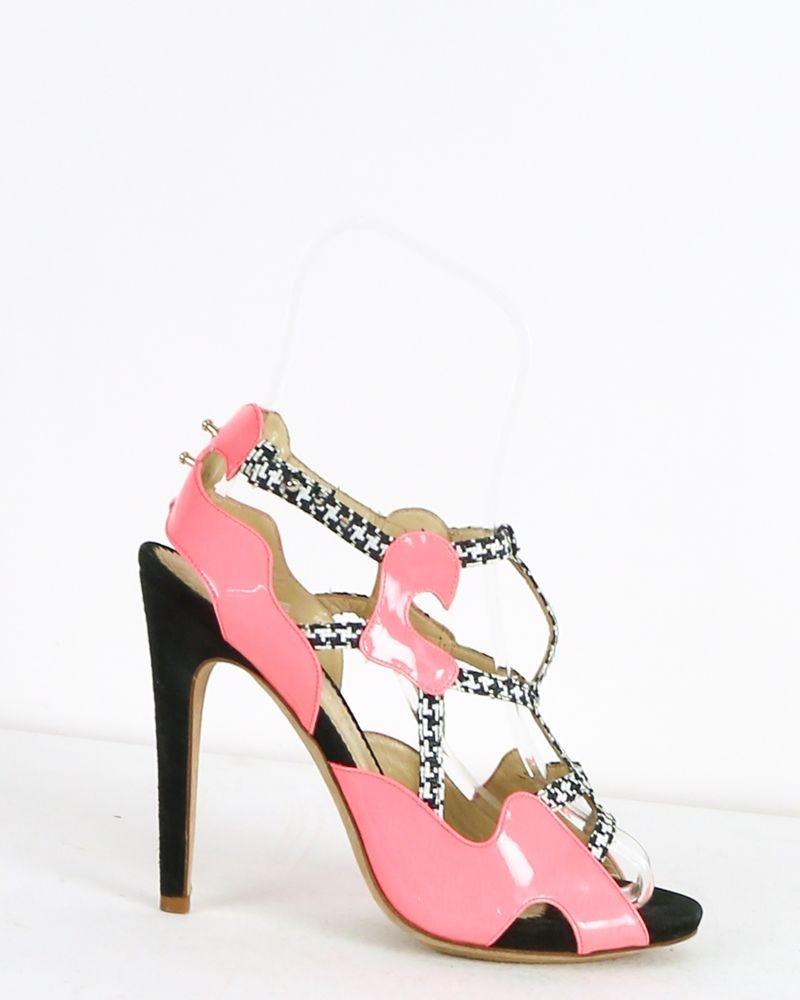 Sandales en cuir vernis rose Aperlai