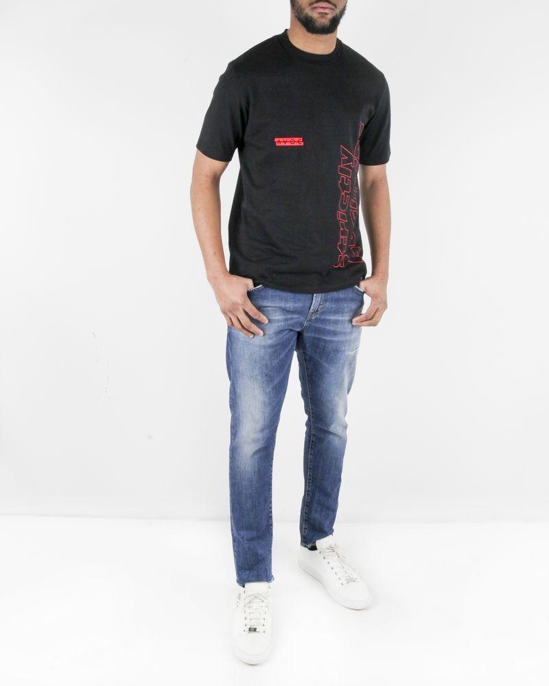 T-shirt noir à broderie rouge Avoc