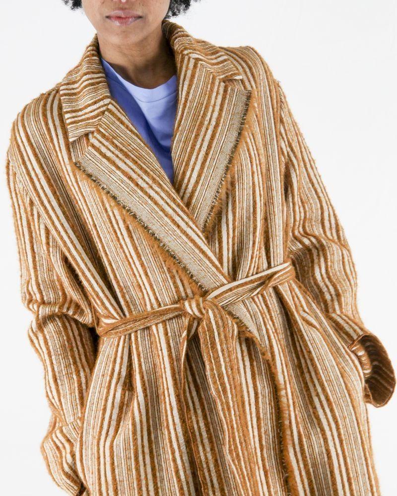 Manteau kimono beige à rayures texturées Forte Forte