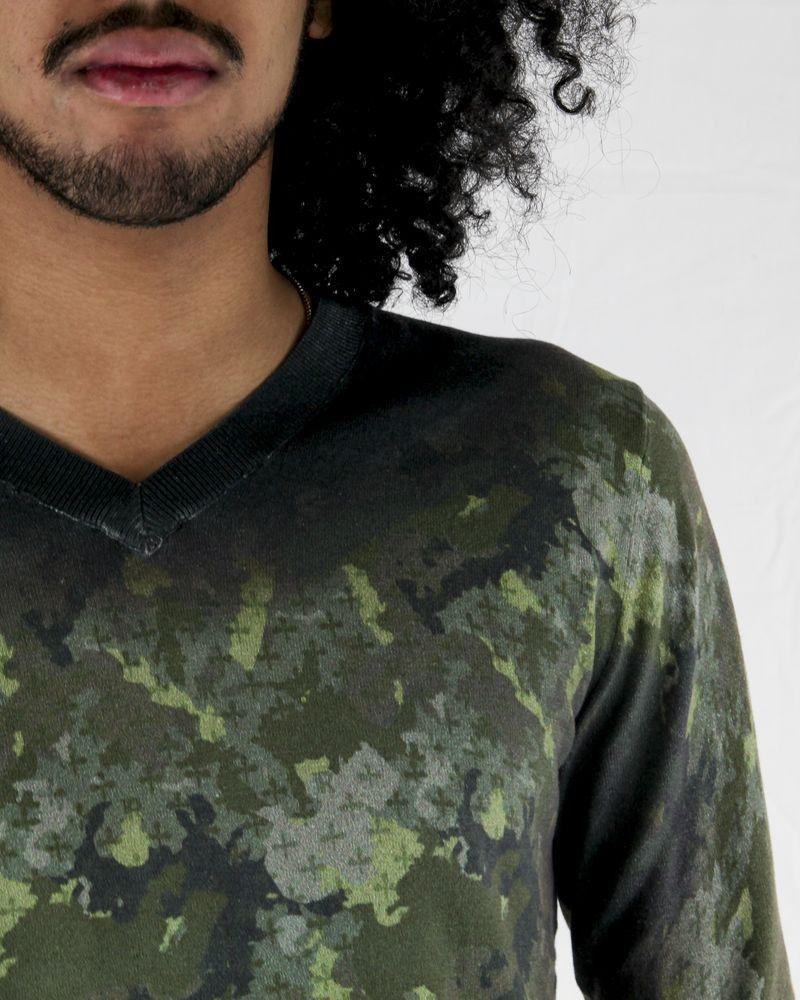 Pull en soie et coton kaki à motifs camouflage John Richmond