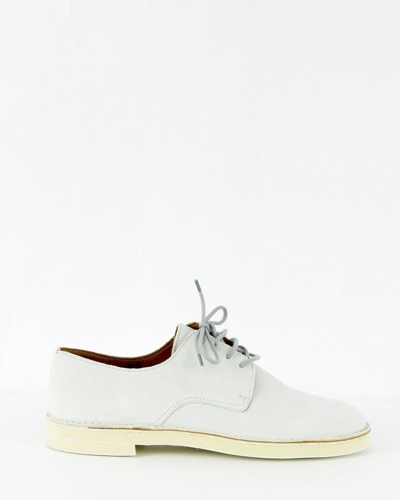 Chaussures en cuir beige Dimmler
