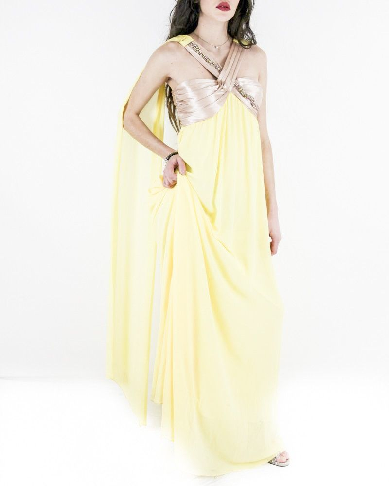 Robe longue en mousseline jaune à drapé rose Nenette