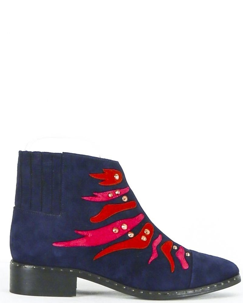 Bottines en cuir bleu à broderies fantaisies SVNTY