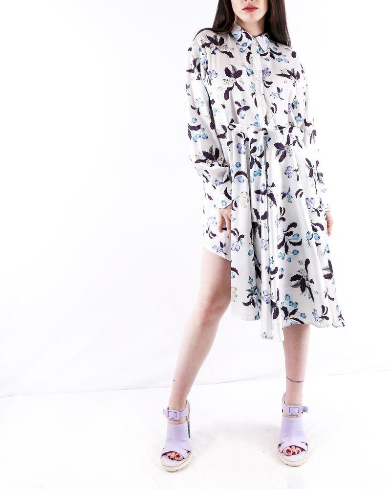 Robe chemisier en satin blanc à motifs à fleurs du paradis Isabelle Blanche