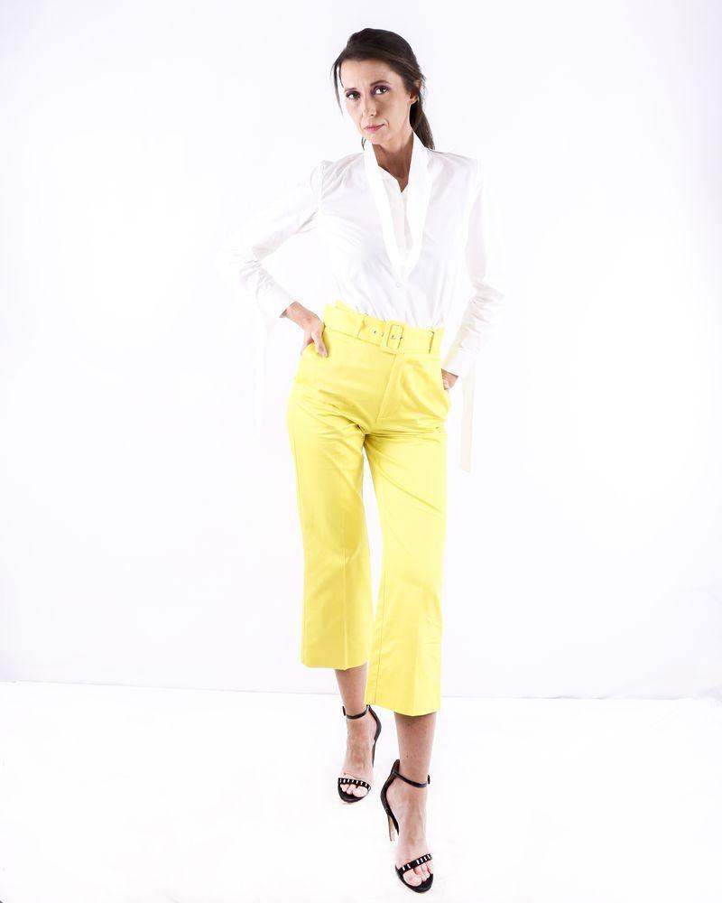 Pantalon culotte jaune ceinturé Space Simona Corsellini