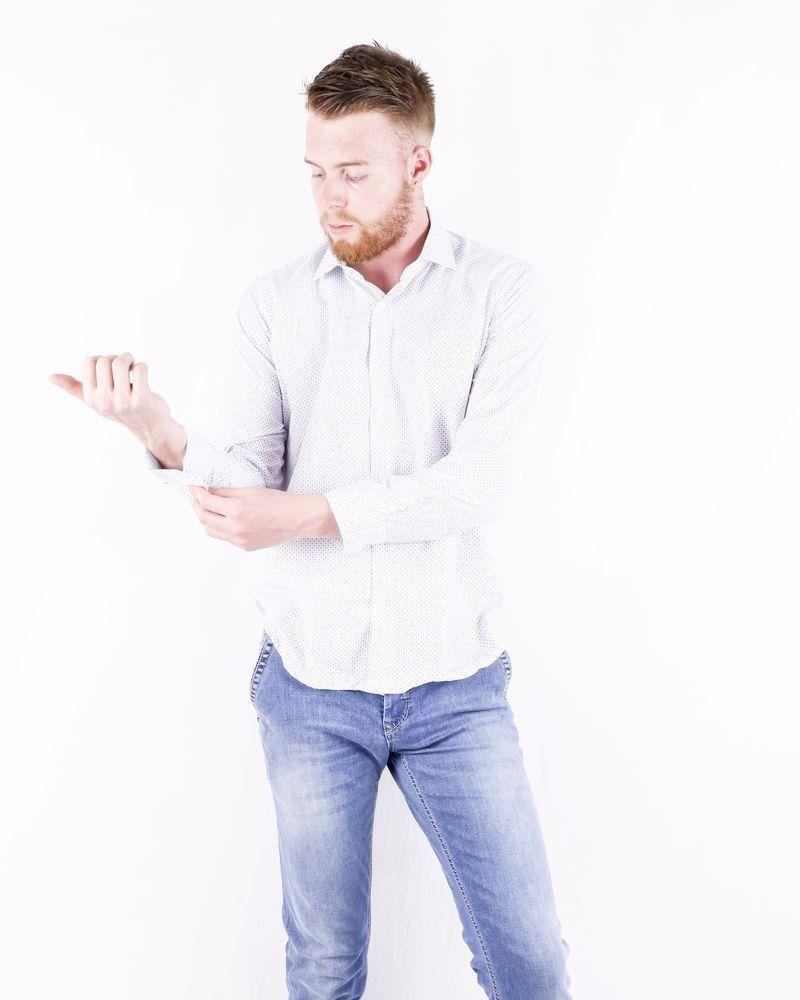 Chemise cintrée blanche à imprimé fantaisie Chrom