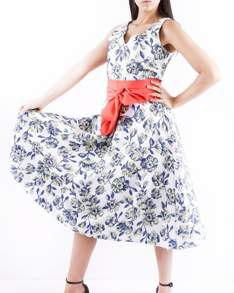 Robe cloche en brocart bleu fleurie Sara Roka