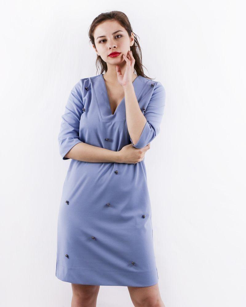 Robe en crêpe bleu à perles SVNTY