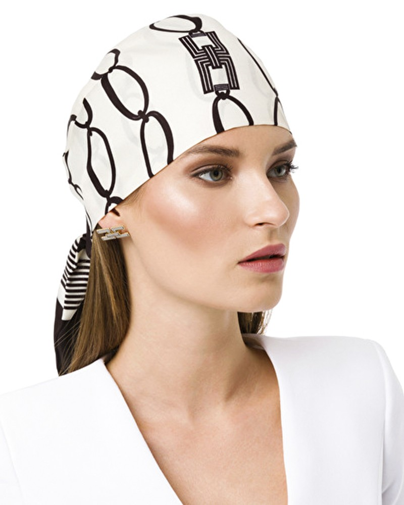 Foulard facon chapeau en twill de soie bicolore Elisabetta Franchi