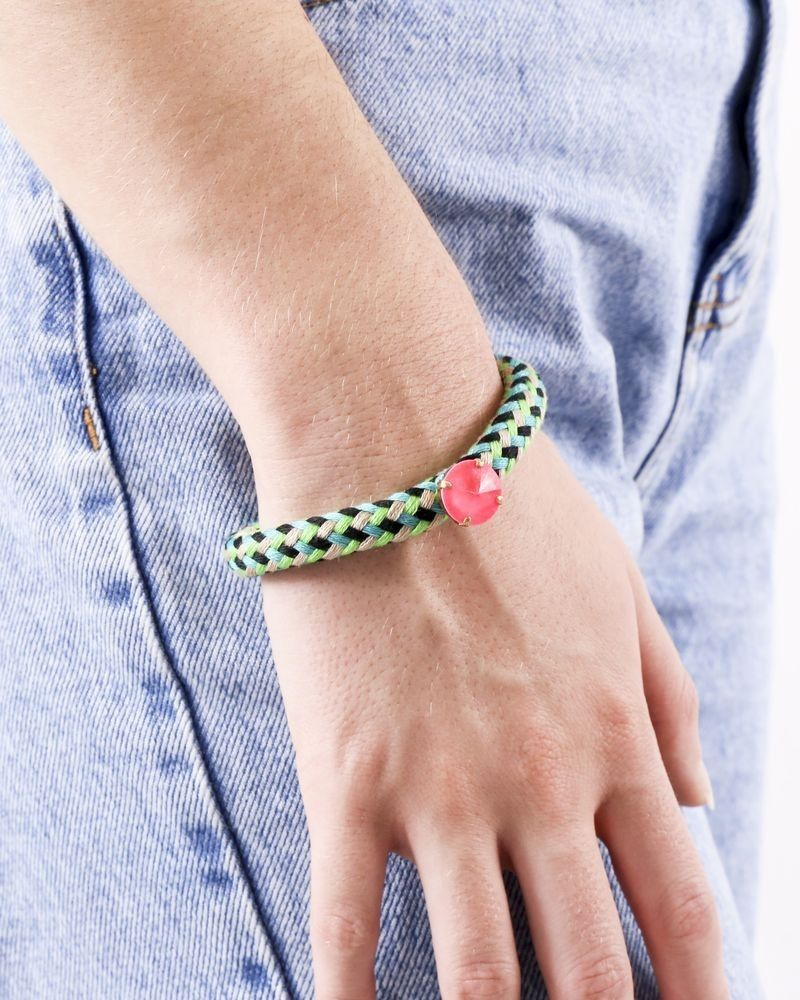 Bracelet en coton tressé quadricolore à pierre rose fluo Nude