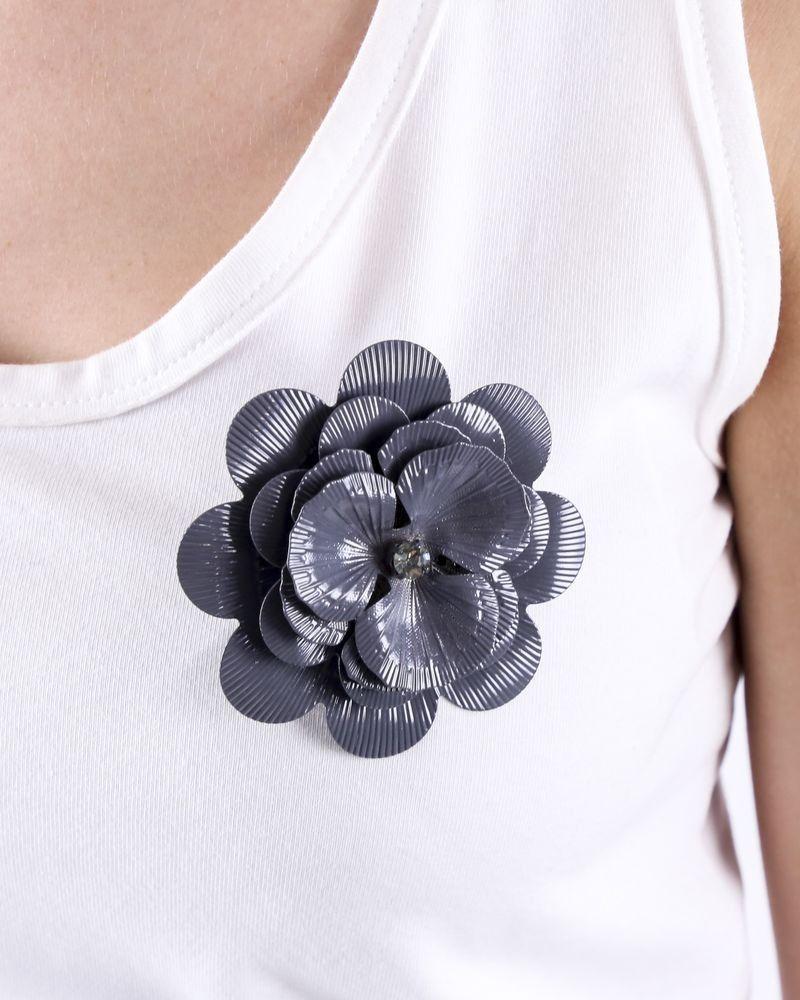 Broche grise en forme de fleur Twinset