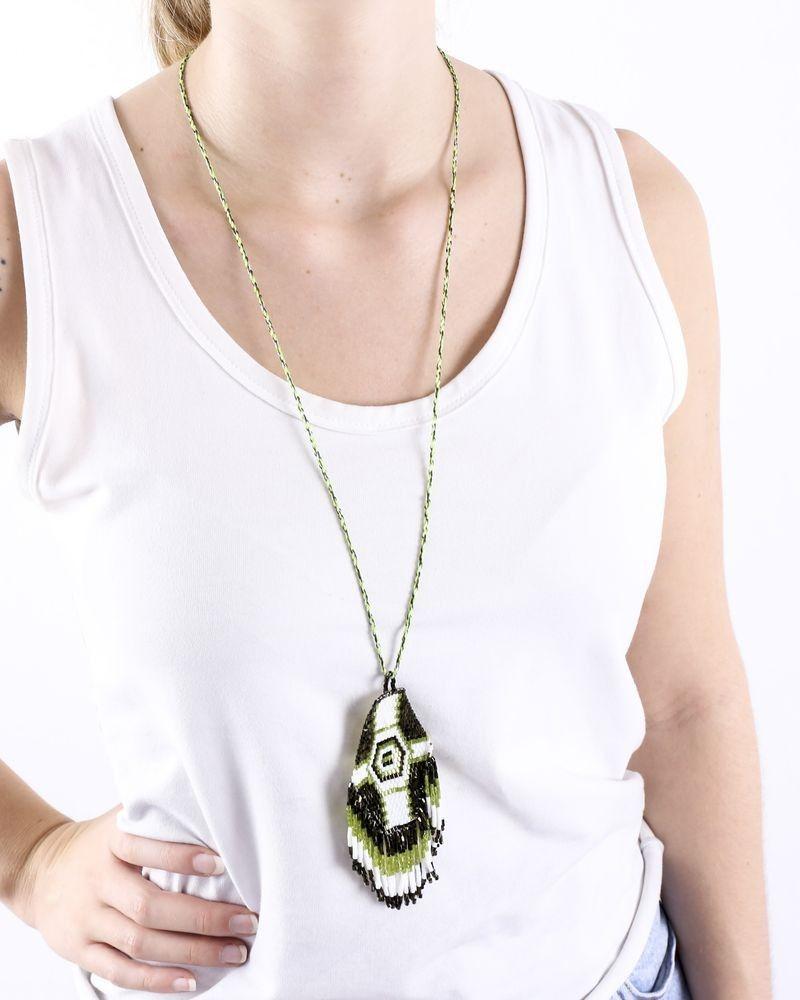 Sautoir ethnique ajustable à perles vertes et blanches La Piscine