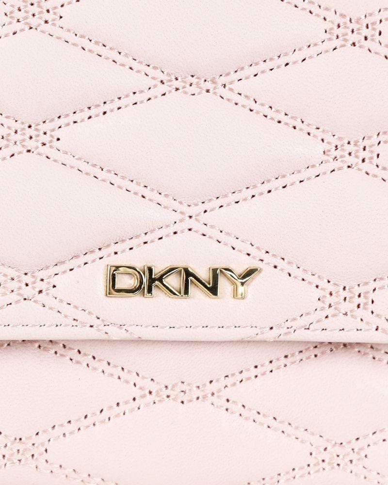 Portefeuille en cuir rose matelassé DKNY