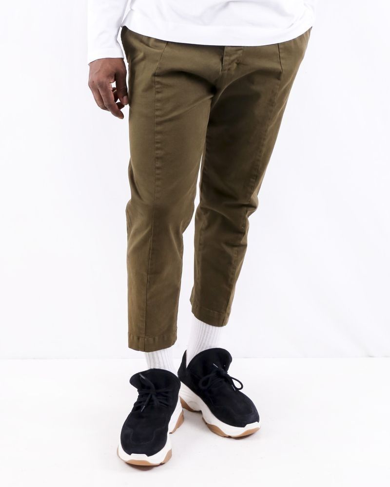 Pantalon carotte en coton kaki Low Brand
