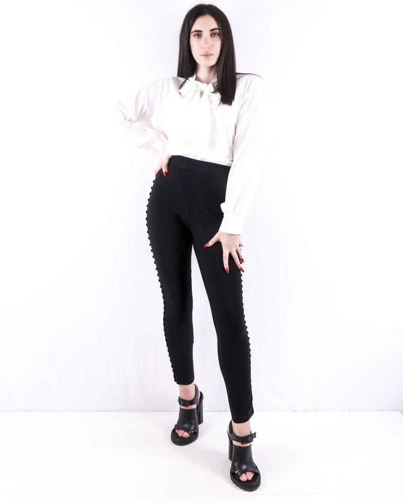 Pantalon fuseau noir à bandes latérales boutonnées Misha Collection