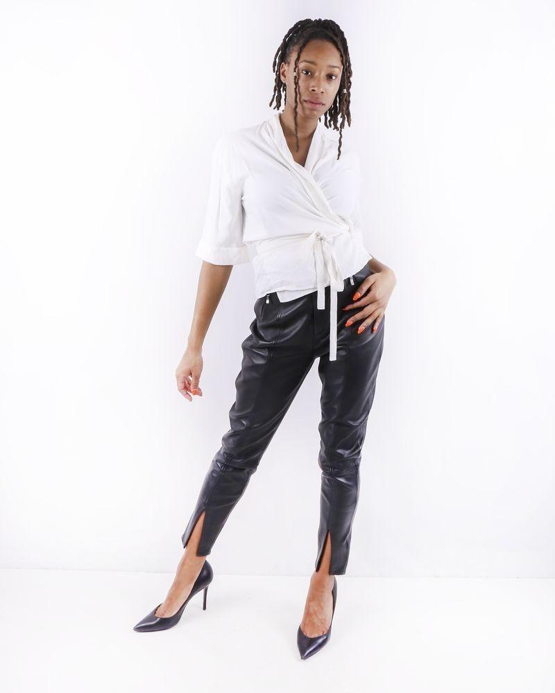 Pantalon ceinturé en cuir noir Misha Collection