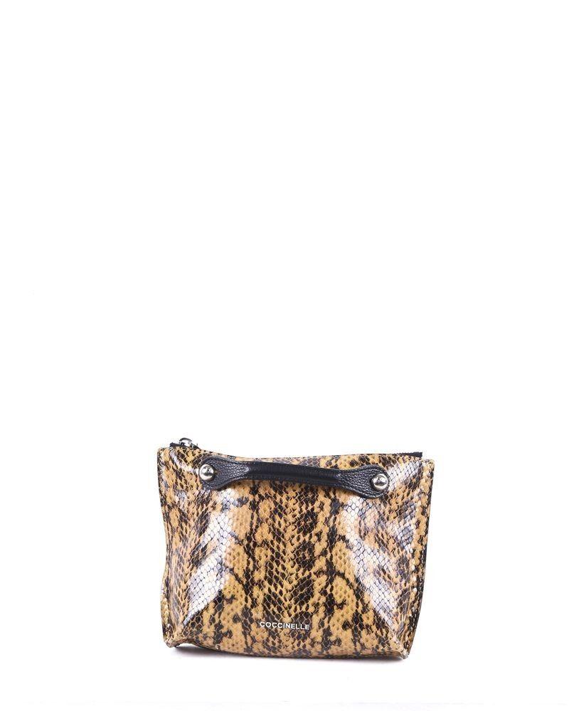 Pochette en cuir camel à motifs reptiles Coccinelle