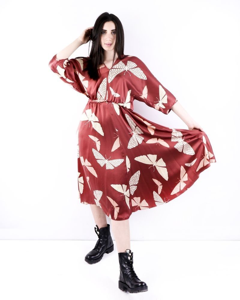 Robe empire en soie bordeaux à motifs papillons Forte Forte