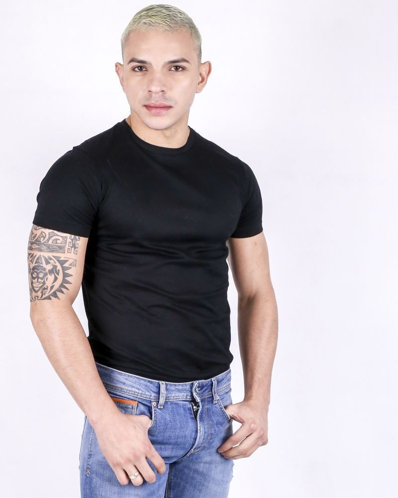 T-shirt col rond en coton noir