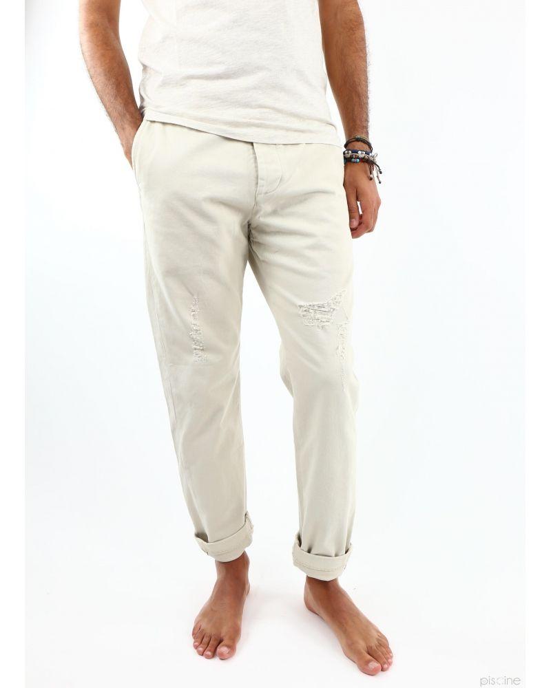 Pantalon chino beige effet déchiré