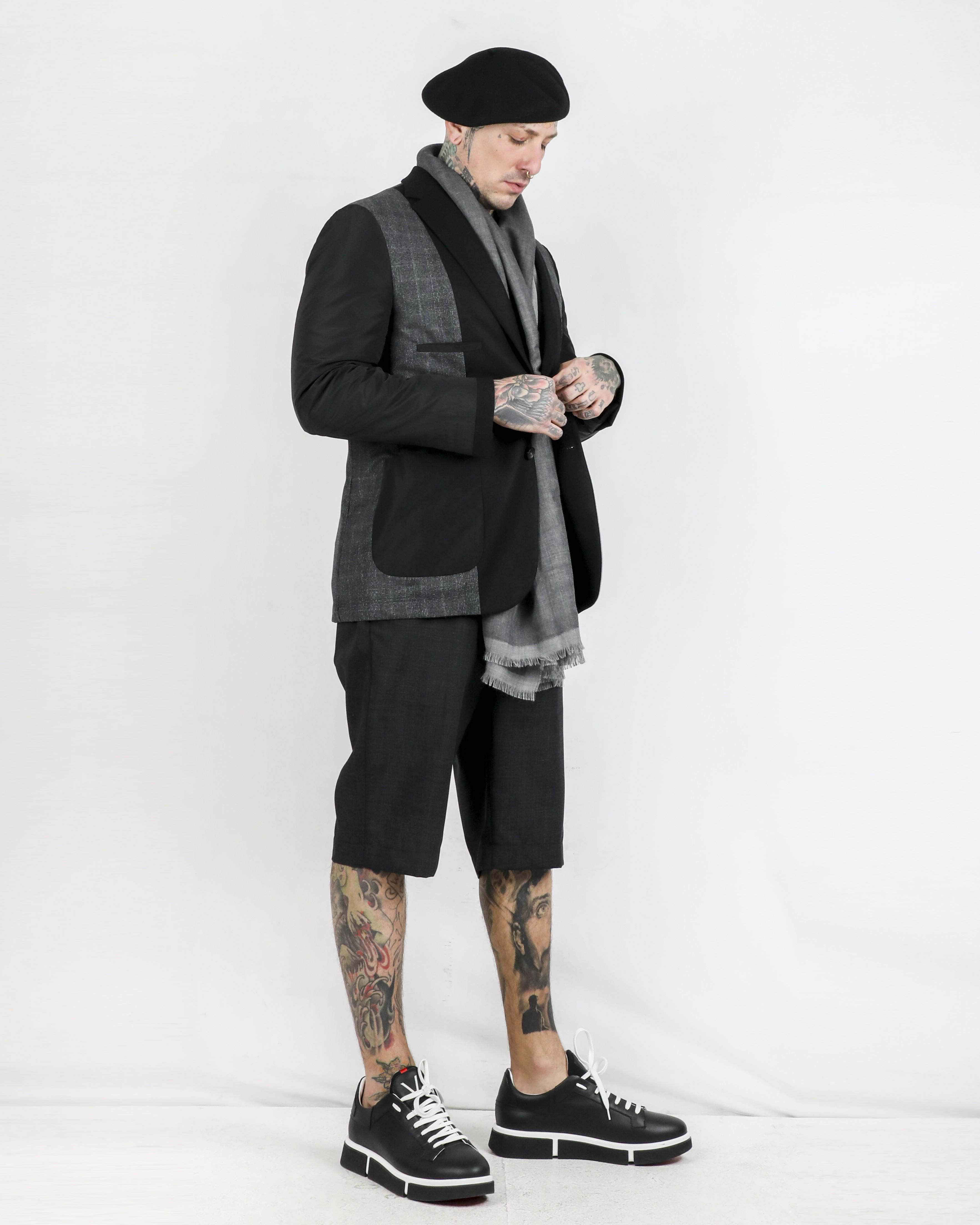 Basket en cuir noir V Design