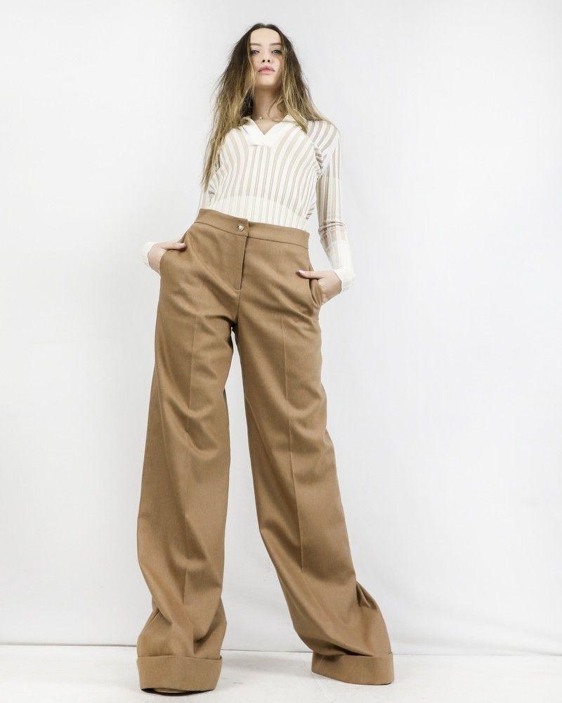 Pantalon patte d'eph en crêpe caramel à boutons fantaisies