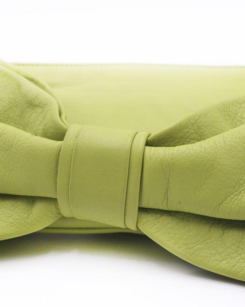 Sac à main en cuir texturé vert Valentino