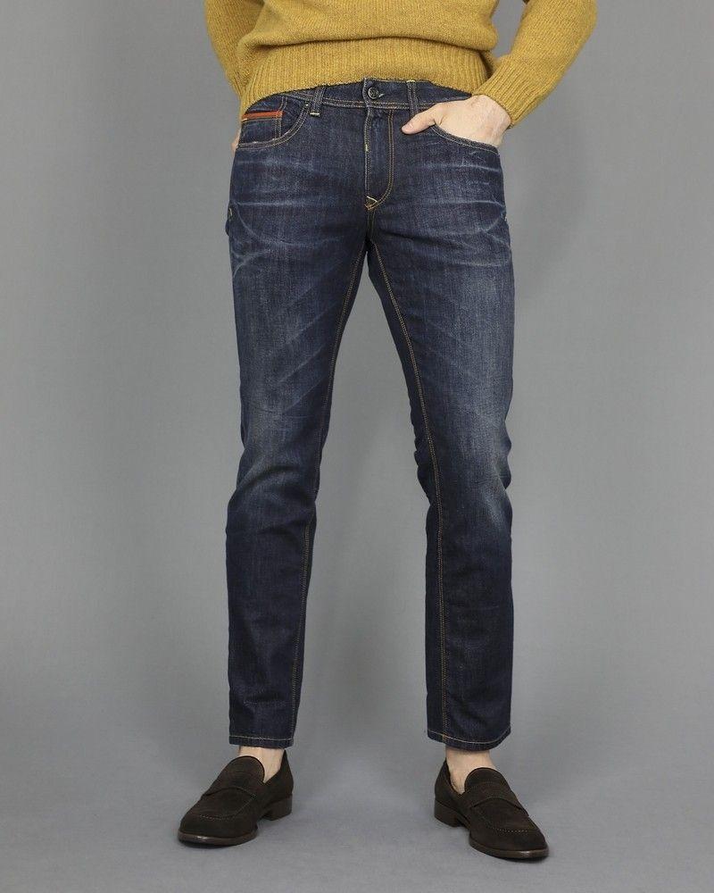 Jeans coupe droite à 5 poches 3D