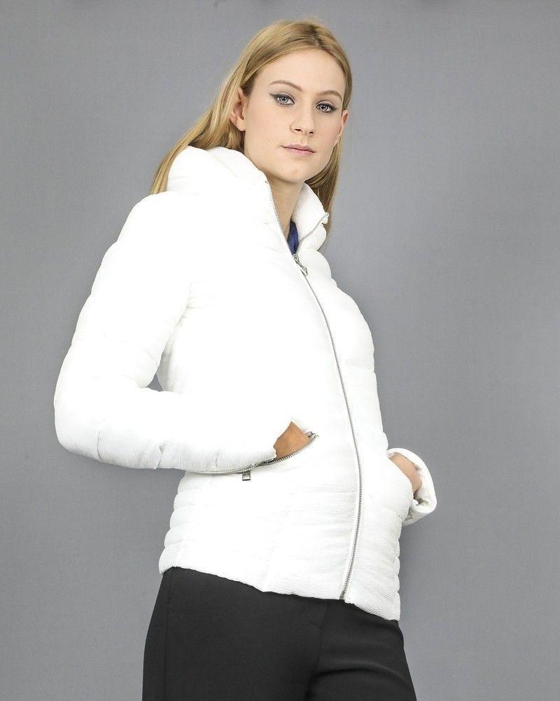 Doudoune blanche en tissu technique plissé Guess