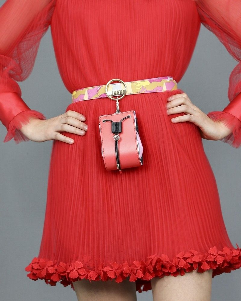 Mini-sac en cuir et en tissu imprimé Emilio Pucci.