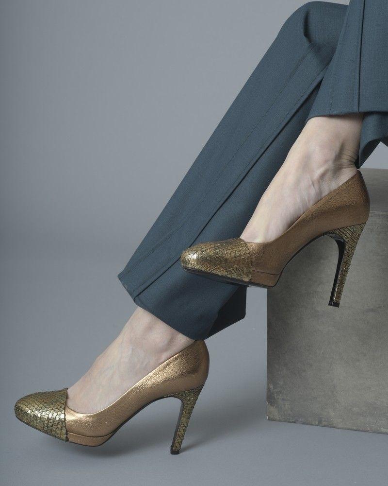 Escarpins à talons en cuir texturé et cuir effet serpent métallisé François Najar