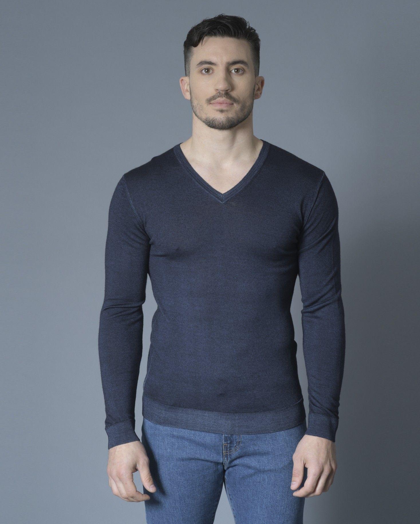 Pull bleu col v Daniele Fiesoli