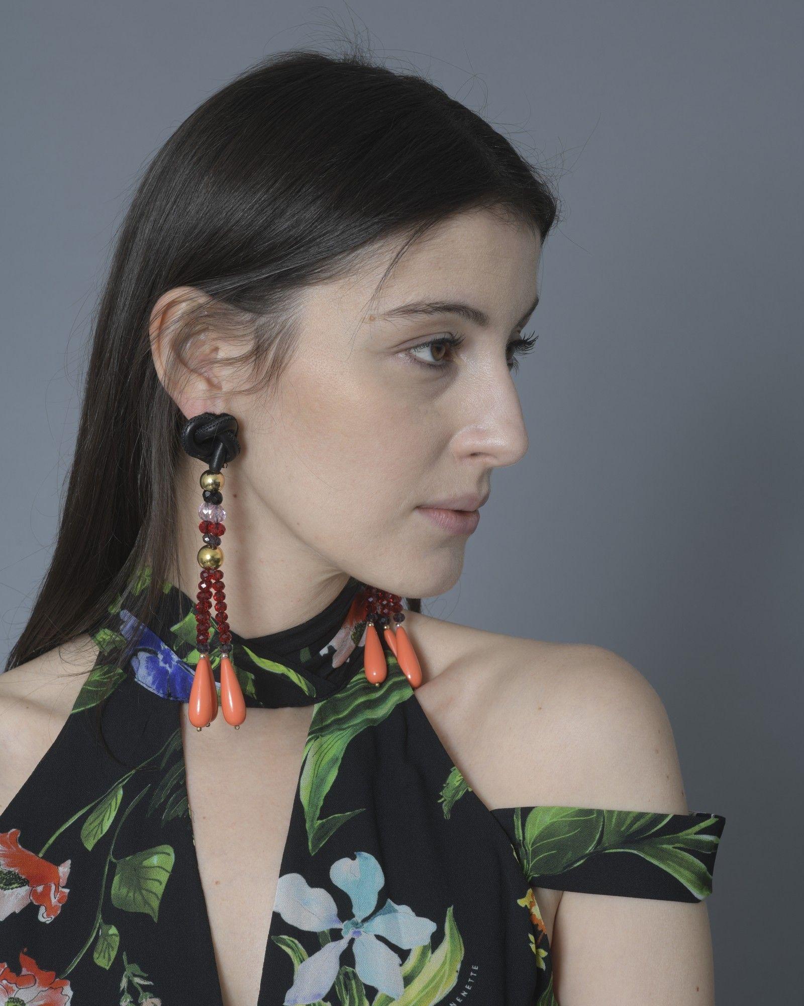 Boucles d'oreilles en perles rouge/rose/noir/or Emilio Pucci