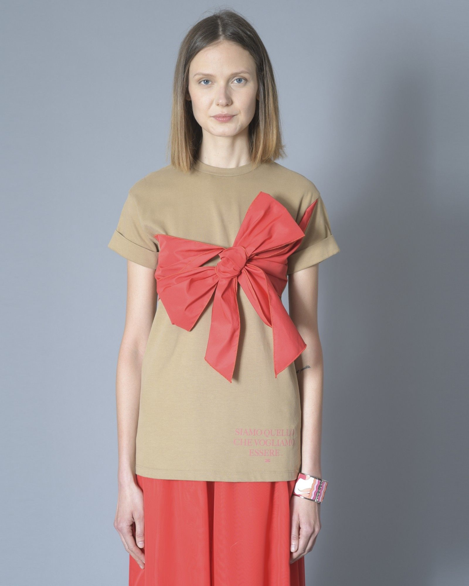 T-shirt marron à noeud rouge Elisabetta Franchi