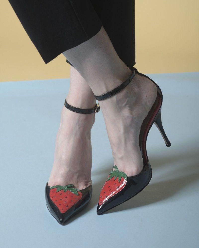 Escarpins en cuir à empiècement fraise Valentino